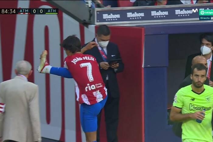 Joao Felix wyrzucony z boiska! Puściły mu nerwy. Wielkie męczarnie Atletico Madryt [WIDEO]