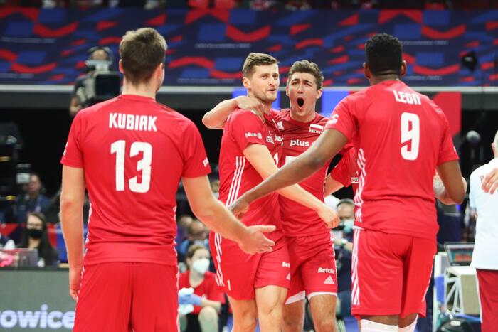 Mamy medal na mistrzostwach Europy! Polscy siatkarze rozbili Serbię [WIDEO]