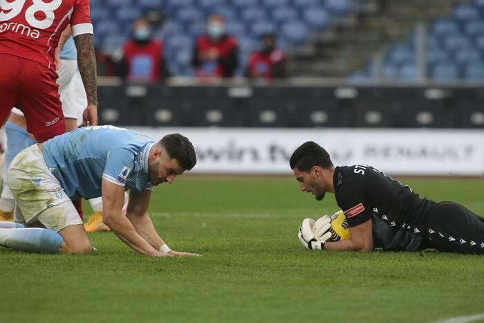 """Bramkarz Lazio poruszony zachowaniem kibiców. """"Próbowałem, ale nie mogłem powstrzymać łez"""""""