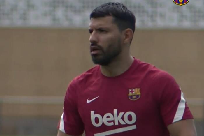 """Tak Sergio Aguero zareagował na odejście Leo Messiego z FC Barcelony. """"Opowiedziałem mu o mojej drużynie"""""""