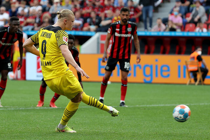 """Mats Hummels ostrzega Erlinga Haalanda przed transferem. """"W futbolu trzeba mieć tego świadomość"""""""