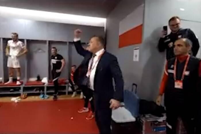 """""""Panowie, mamy to kur**"""". Prezes PZPN podsumował zwycięstwo z Albanią [WIDEO]"""