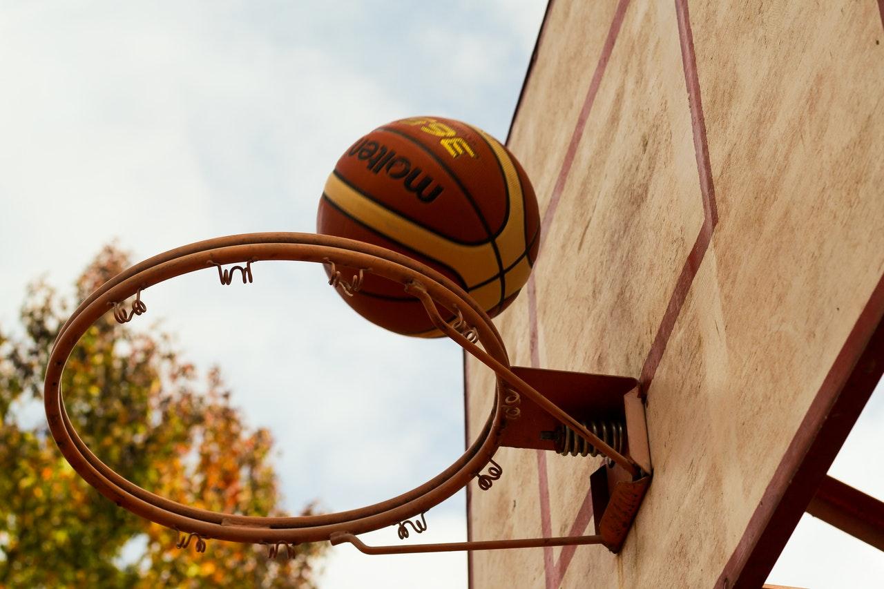 Analiza koszykówki - trudności i problemy