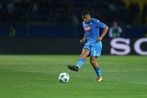 Pomocnik Napoli bliski hitowego transferu. Możliwa wymiana z Interem Mediolan