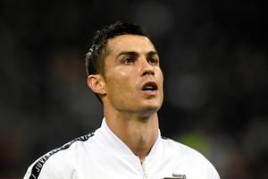 """Diego Forlan krytykuje Cristiano Ronaldo. """"Spędzał całe dnie, patrząc w lusterko"""""""