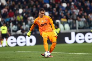 Tottenham wygrał w sparingu z Juventusem. Wojciech Szczęsny przelobowany z połowy boiska! [WIDEO]