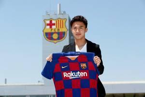 FC Barcelona pozyskała reprezentanta Japonii. 20-latek właśnie podpisał kontrakt
