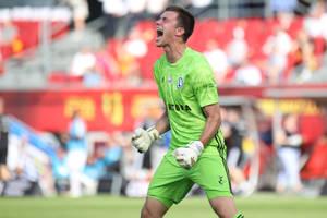 Legia wróciła z dalekiej podróży! 18-letni debiutant dobija Lecha!