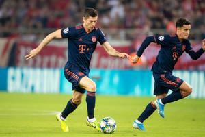 Robert Lewandowski trzecim najlepszym strzelcem w historii Bundesligi! Popis Coutinho, 6 goli Bayernu [WIDEO]