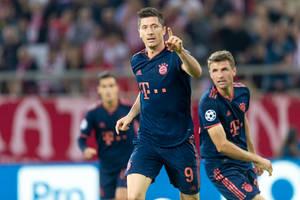 Robert Lewandowski wyrównał kolejny rekord Bundesligi! Gol i asysta Polaka w meczu Bayernu z Schalke! [WIDEO]